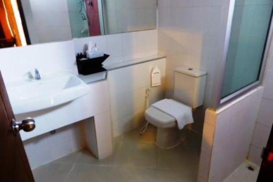 Mariya Boutique Residence at Suvarnabhumi Airport: Bathroom