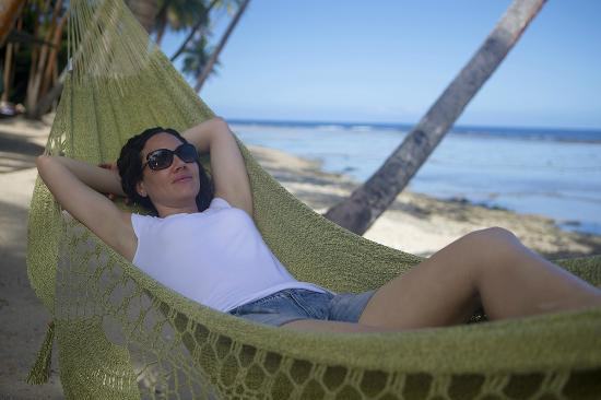 Namale Resort & Spa: Hammocks on the beach.