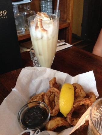 Salon 39: Forret Calamari og en lækker drink