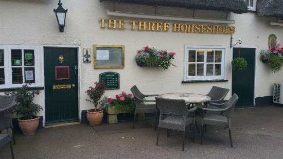 The Three Horseshoes Pub in Hinxworth, Herts, UK