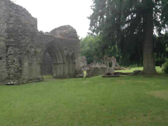 Lake of Menteith: The abbey