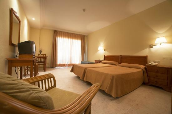 Foto de hotel tres anclas gand a estudio familiar - Tres estudio ...