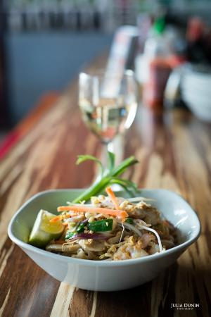 Pad thai noodle fotografa de lana asian street food galway lana asian street food pad thai noodle forumfinder Choice Image