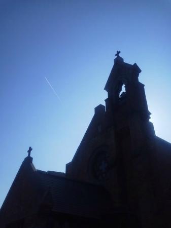 Hirosaki Shoten Church : 2014.11 飛行機が雲を曳いていく