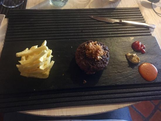 El Rebost de Ger : The burger and the soggy fries