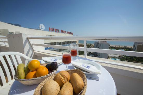 Hotel Tres Anclas : Terraza habitaciones Planta 10ª