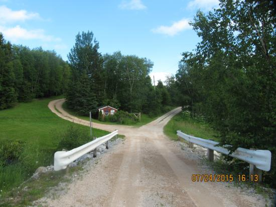 Cormack, Canadá: Entrance to cottages
