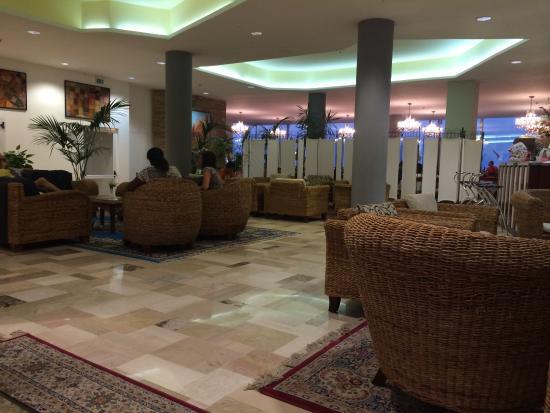 La Hall Dell Hotel Astoria Bild Von Hotel Astoria Cattolica