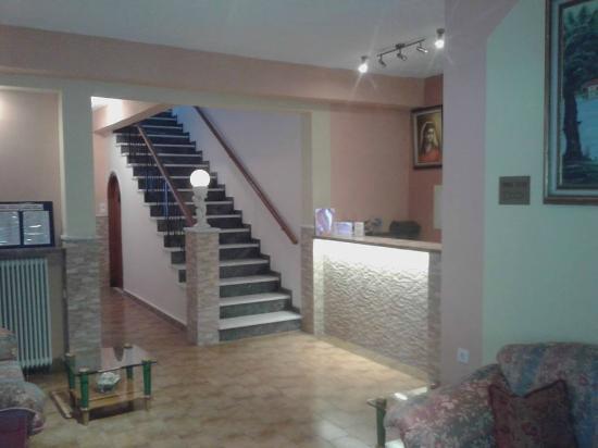 Maltezos Hotel: Reception