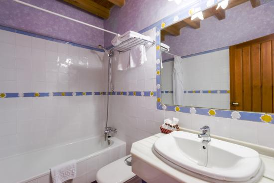 Abadia Hotel Granada: bathroom