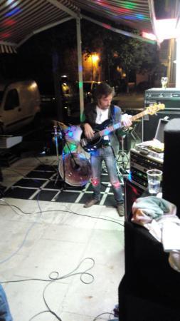 Hostun, فرنسا: Sedlex en concert au tacot.