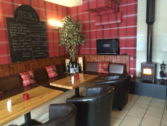 The Stables Bistro: lounge