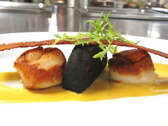 The Point Restaurant & Terrace: Scallops and Black Pudding