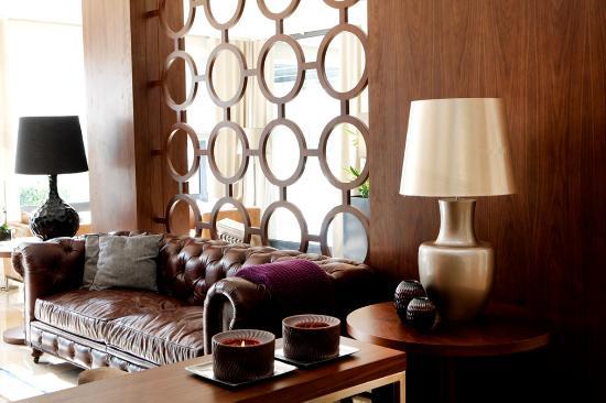 Dom Goncalo Hotel & Spa: Lobby detail Detalhe do atrio de entrada