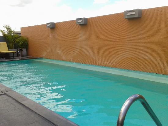 Roof top pool floor 7 sleep withinn may 2015