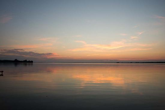North Port, Canada: Sunset on the lake- 2
