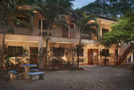 Montanas de Agua: Back Building with A/C Rooms and Apartment