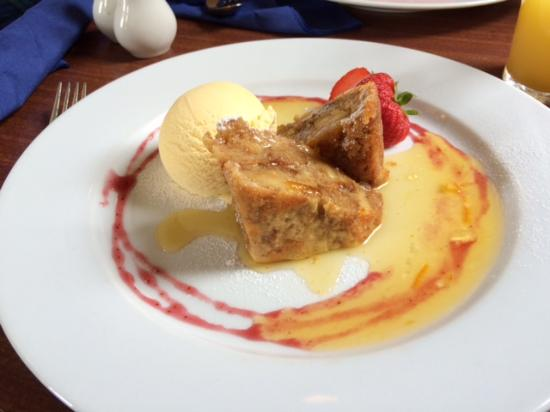 Loch Kinord Hotel: Whisky and orange bread pudding