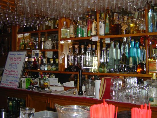 Tommy's Mexican Restaurant: Tequila-filled back bar at Tommy's
