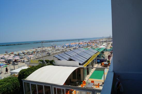 Hotel Touring Spiaggia : Vista dalla camera