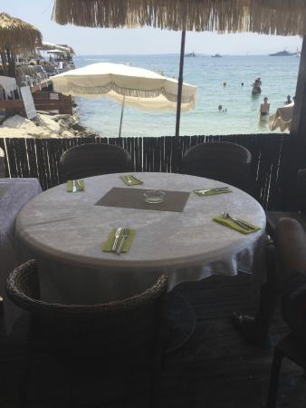 Jazz Plage : Jolie table vue sur plage