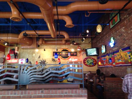 La Parrilla Mexican Restaurant: Inside