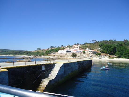 Barco Isla de Ons - Cruceros Rias Baixas: Llegada a la Isla de Ons