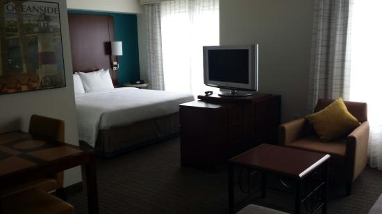 Residence Inn San Diego Oceanside: Comfortable & roomy