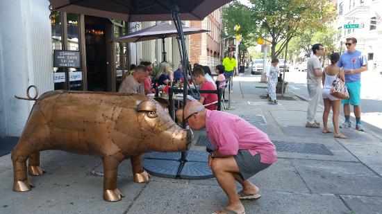 Morristown, NJ: Da Pig