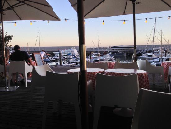 Manifattura Di Gelato: Restaurant avec vue sur la marina