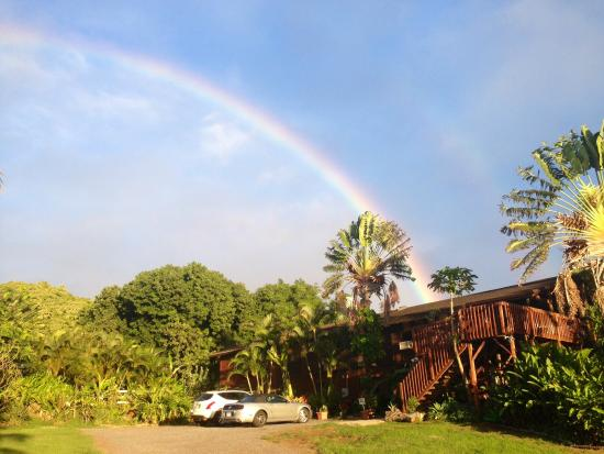 Peace Of Maui: Where Rainbows Happen (No photoshop!)