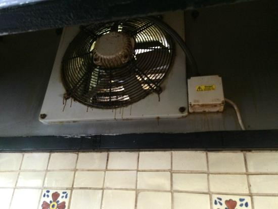 Caherlistrane, Irland: Fan above oven