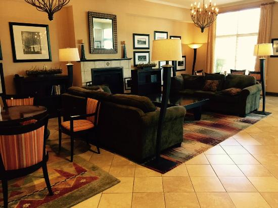 DoubleTree by Hilton Hotel Olympia: Lobby