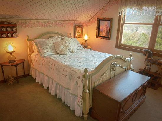 The Log House Lodge: The Rosebud Room--Whispers of the Past