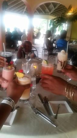 Three Palms Ocean Course: The food was delicious...they surprised my family whom had a birthday with gifts and this beauti
