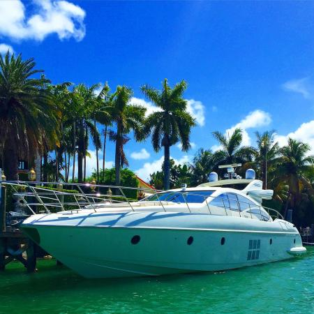 Gorgeous day on a gorgeous Yacht with drone pictures Miami Private