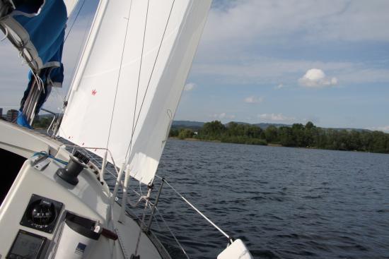 Love 2 Sail