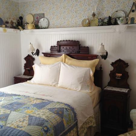 The Garden Cottage Bed and Breakfast: The Morning Glory room