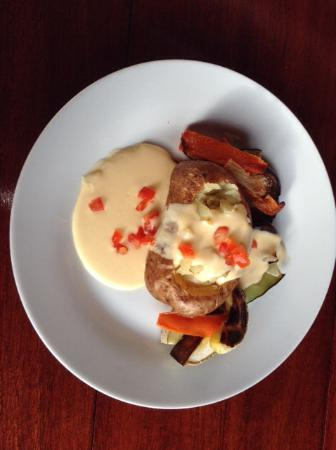 El Kapuyo: Baked Potato, grilled Veggies with a nice creamy cheese sauce