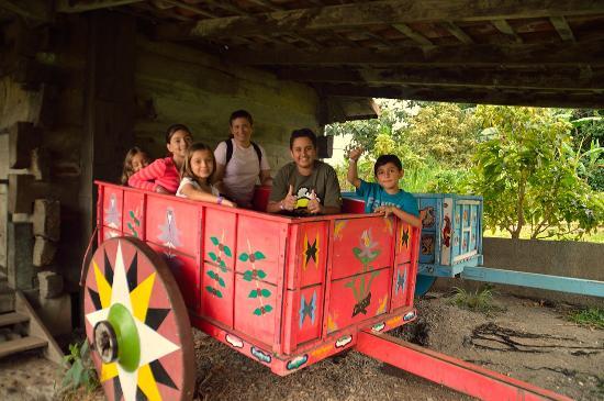 Pueblo Antiguo: Disfrutando en familia