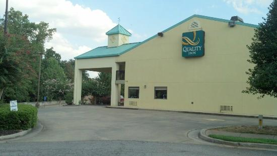 Quality Inn Marietta: View from outside