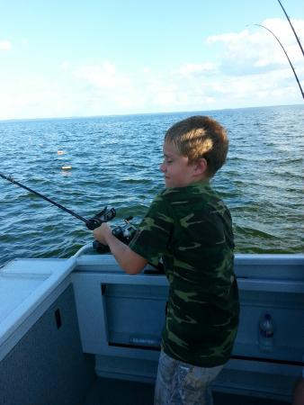 All american fishing charters green bay lo que se debe for Green bay fishing charters