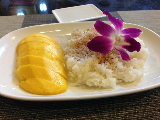 Ruen Thai, Patong: Mango with Sticky Rice topped with Coconut Milk and Cinnamon