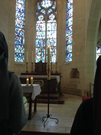 Eglise Saint Sulpice de Pierrefonds : Bonita iglesia y estupendas anfitrionas