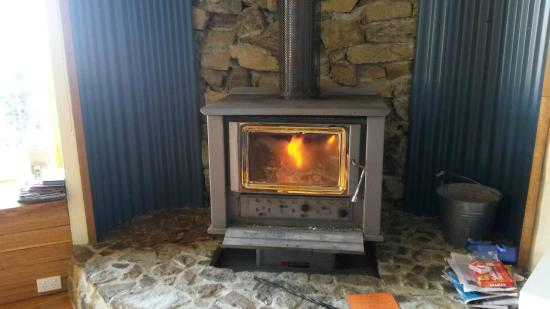 Peppermint Ridge Retreat: Toasty warm fire