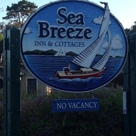 Sea Breeze Inn & Cottages: Banner
