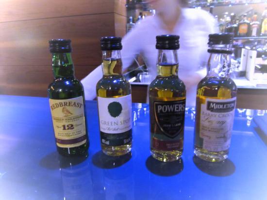 Bohinj ECO Hotel: Bohinj Park Eco Hotel - A little irish whiskey tasting before dinner