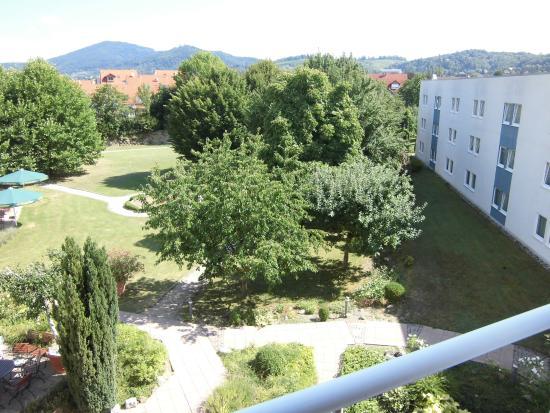 Alleehotel Europa: Blick aus dem Zimmer Richtung Gartenanlage