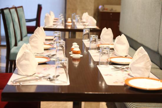Neemrana, India: Rajwada Restaurant
