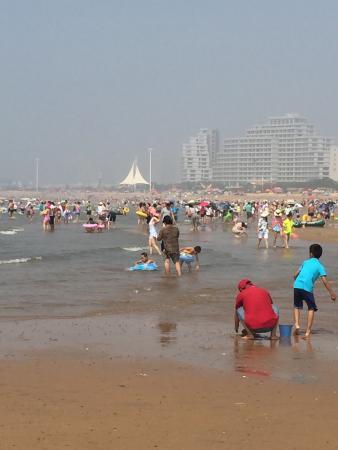 Haiyang, Kina: とにかく長い、日本なら絶対、遊泳禁止になりそうな、、、。
